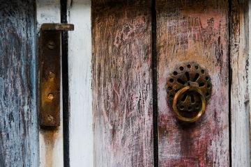 La puerta que no fue recubierta de oro. Foto: Jeff Rambles