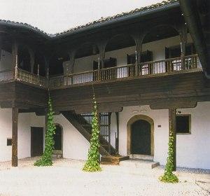 Las escaleras de la Svrzina kuća