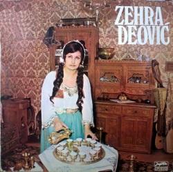 Zehra, posando con naturalidad